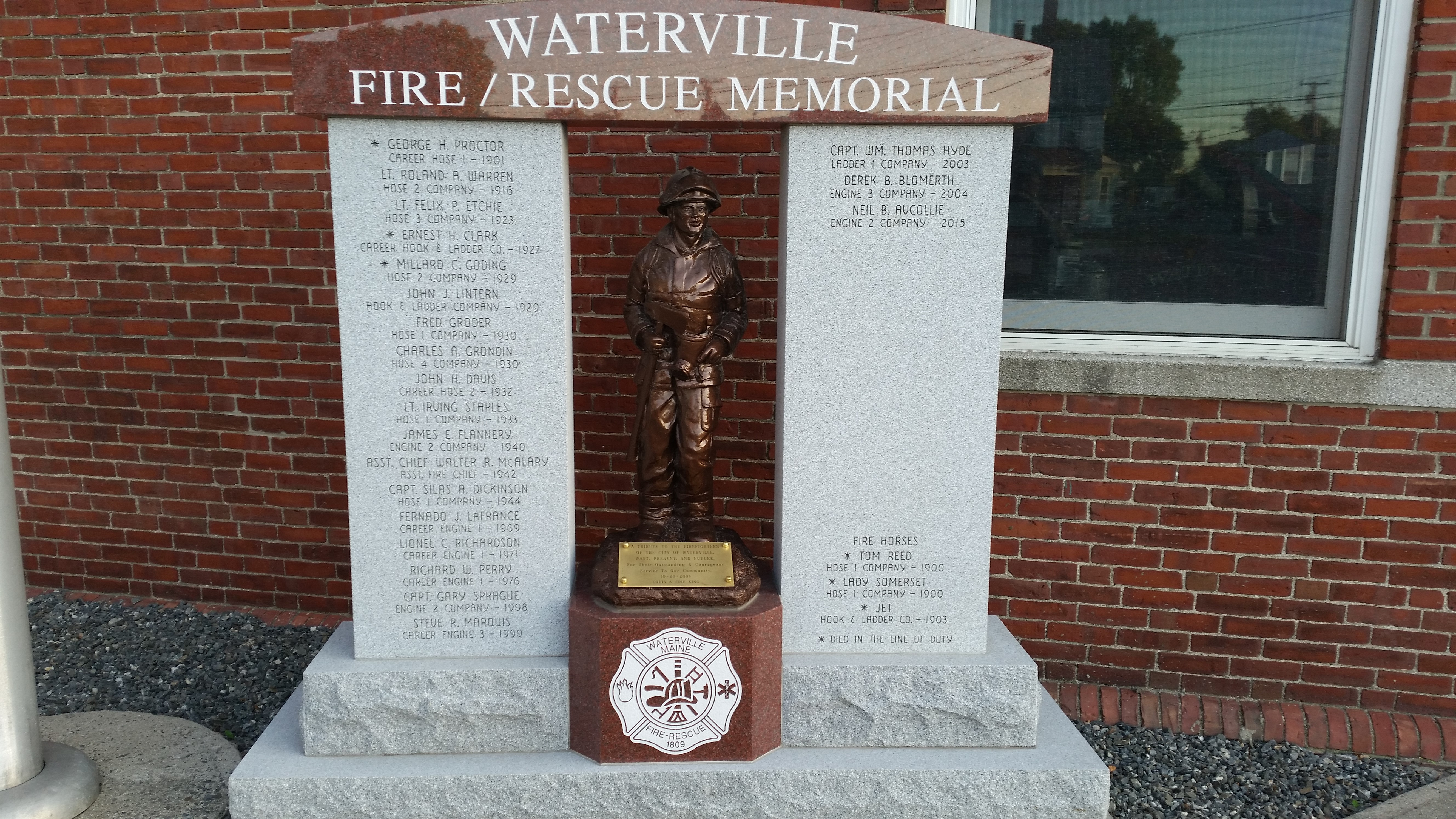 Picture of the Waterville Fire/Rescue Memorial